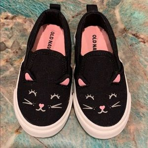 Old navy cat shoes